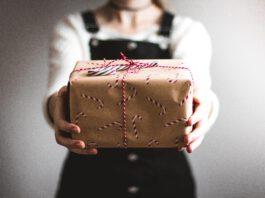 Regifting: come riciclare i regali di Natale (dando loro una seconda vita circolare)
