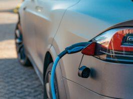 Dai ricambi rigenerati al riciclo delle batterie: le case automobilistiche sperimentano la circolarità